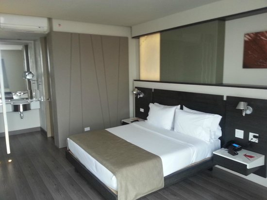 Inntu Hotel Medellin:                   Amazingly clean and ultra modern feel