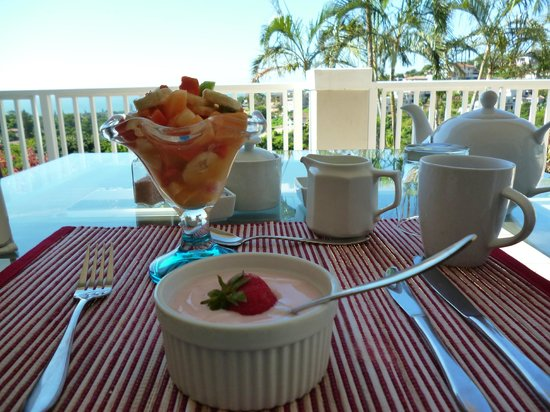 Seaview Manor:                   breakfast on the terrace