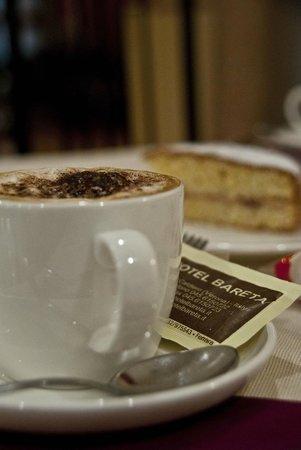 Hotel Bareta: Colazione particolare