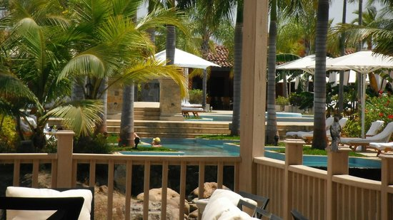 JW Marriott Panama Golf & Beach Resort:                   piscina | terraza