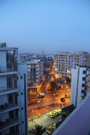 Novus City Hotel:                   otelin terası