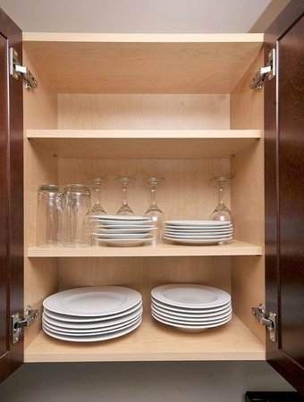 Seaside Suites: All our kitchens are fully equipped with all plates, cutlery and cookware