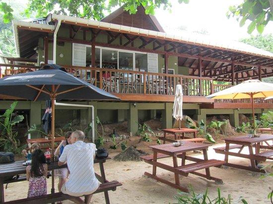 Surfers Beach Restaurant:                   la struttura
