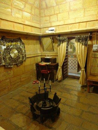 Hotel Nachana Haveli:                   writing table