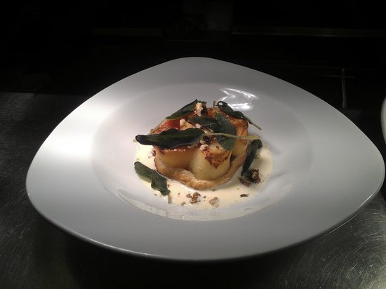 The King's Head Hotel: Vegetarian root vegetable tart tatin
