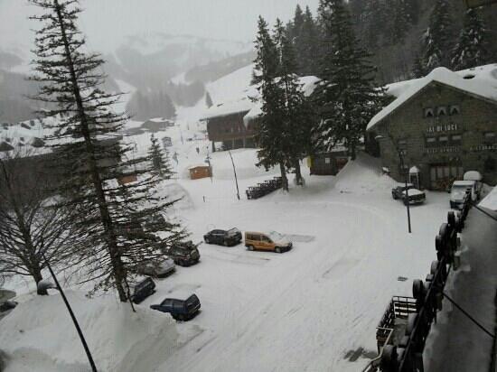 The Pioneers Hotel :                   foto scattata dalla finestra 4 mar 2013