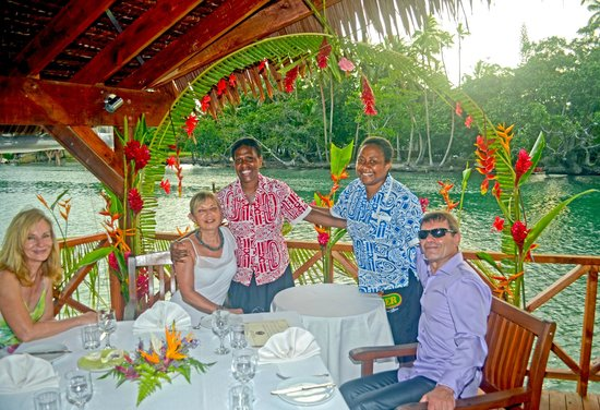 Tropicana Lagoon Apartments Resort:                   the friendly staff before serving our wedding meal at the decorated place in t