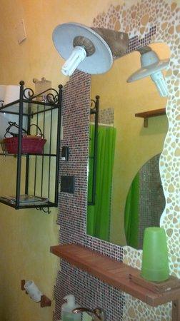 Il Borgo Sulla Collina B&B: Il bagno in comune