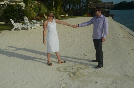 Tropicana Lagoon Apartments Resort:                   dancing at the beach after weddding ceremony