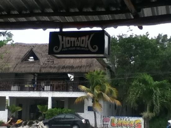 Hot Wok Thai Food:                   hot wok~tulum