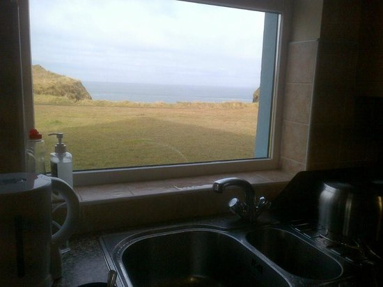 Portbeg Holiday Homes at Donegal Bay:                   vue de la cuisine
