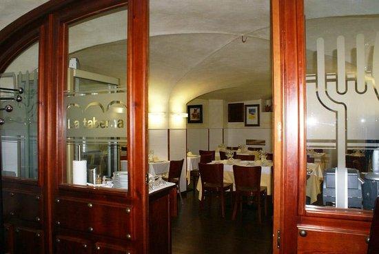 "Hotel Gema: Restaurante ""La Taberna"""