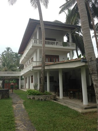 Rockside Cabanas Hotel:                   Main building