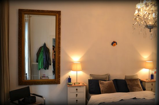 Casa Marcelo Barcelona:                                     Balkonzimmer