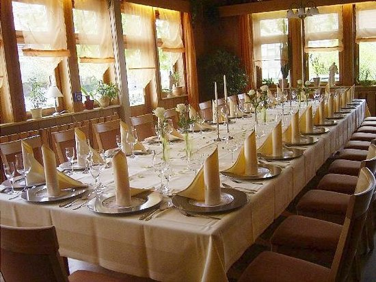 Landhotel Gemeindeschaenke : Angerstube bs 60 Personen