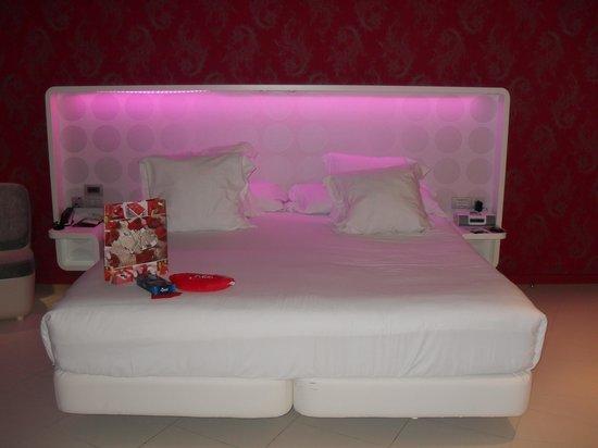 Barcelo Raval:                   cama de la junior suite