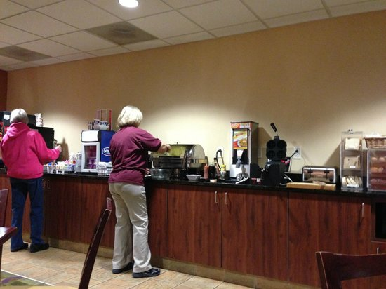 Best Western Plus Victor Inn & Suites:                   Breakfast