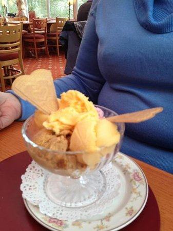 The Calf's Head:                                     3 different types of ice cream fab!