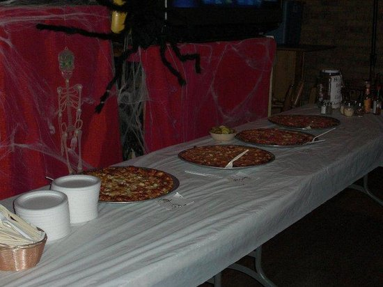 Keyport Liquor and Lounge: pizza bar