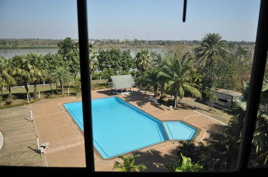 Royal Mekong Nong Khai:                   View of pool and Mekong river