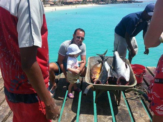 Praia de Santa Maria:                   Pescatori e surfisti