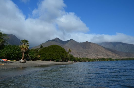 Camp Olowalu:                   Mountain views from the water