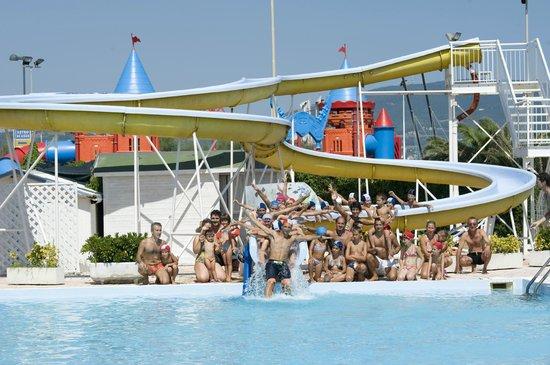 Villaggio Club Centro Vacanze: piscina on the beach
