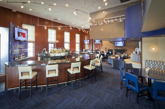 Nationwide Hotel and Conference Center : Dinning and bar area at NorthPointe