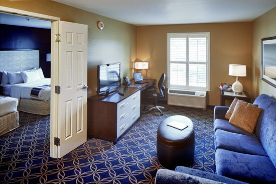Nationwide Hotel and Conference Center: Hotel Room