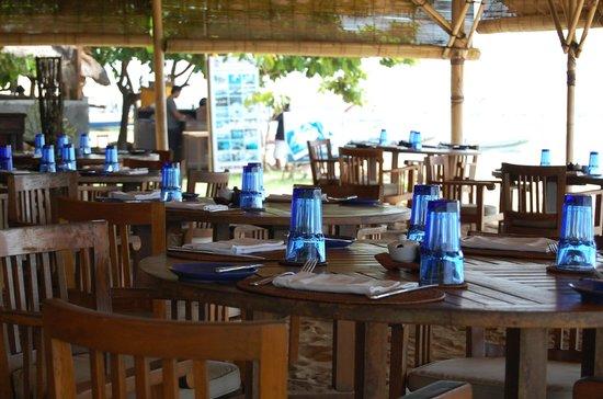Novotel Bali Benoa:                   Coco Beach Bar