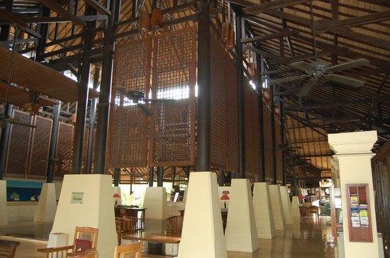 Novotel Bali Benoa:                   Lobby