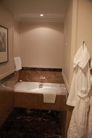 Four Seasons Hotel Gresham Palace:                   Bathroom                 