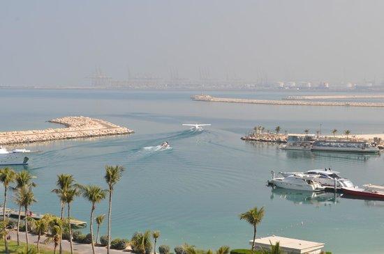 JA Jebel Ali Beach Hotel:                   sjöflyg