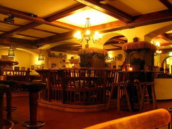 Crowne Plaza Hotel Salzburg - The Pitter:                   im Bierkeller Pitter