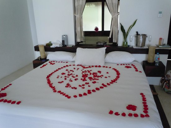 Hotel Cabanas Tulum:                   Bed decorated for our anniversary