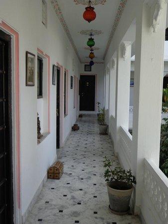 Karohi Haveli:                   corridor