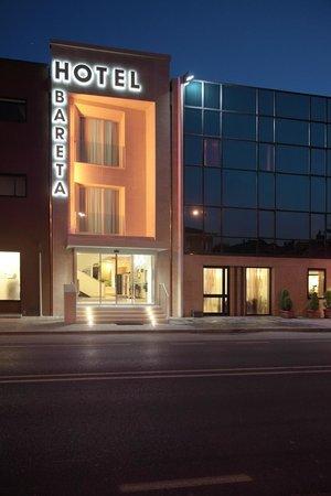 Hotel Bareta: External view orange
