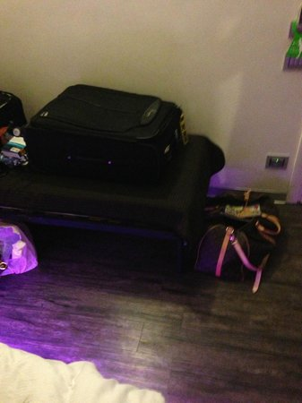 iRooms Spanish Steps: The couch with my suitcase on it