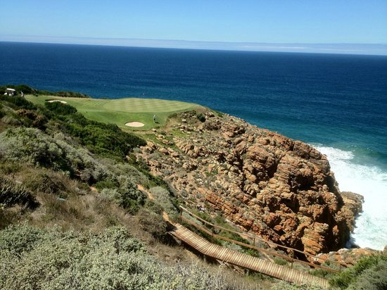Pinnacle Point Beach and Golf Resort:                   Another 'easy' 8/9 iron....