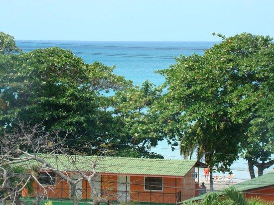 Cabanas El Encanto:                   Vista a partir da varanda do quarto