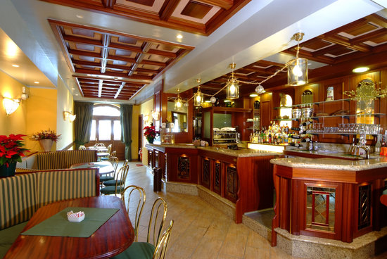 Astoria Hotel: BAR