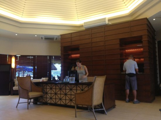 Shangri-La's Boracay Resort & Spa:                                     even the caticlan receiving area beats other hotel's main lo