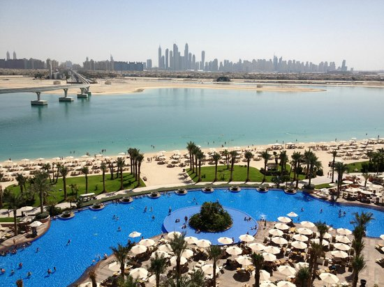 Atlantis, The Palm:                   What a view.