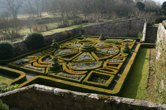 Bodysgallen Hall & Spa :                   garden