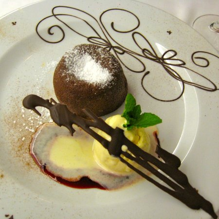 Quinta Mirabela:                   Chocolate fondant to die for!