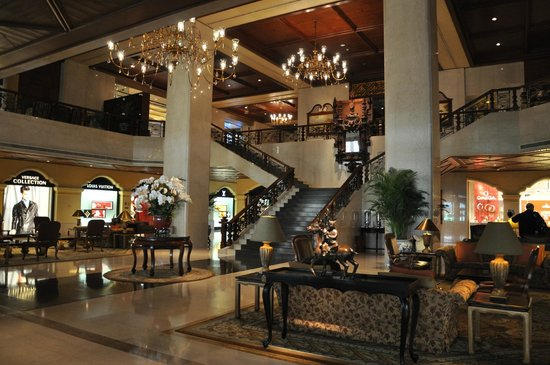 Grand Lapa Macau:                   Elegant lobby with old world charm