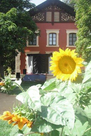 Villa Azucena:                   la Villa