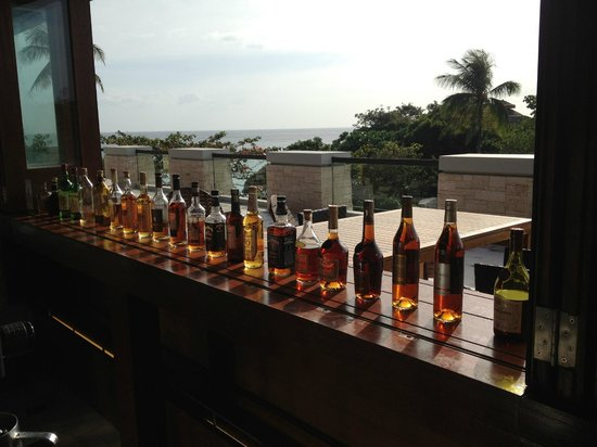 Shangri-La's Boracay Resort & Spa:                                     selection of drinks at lobby lounge