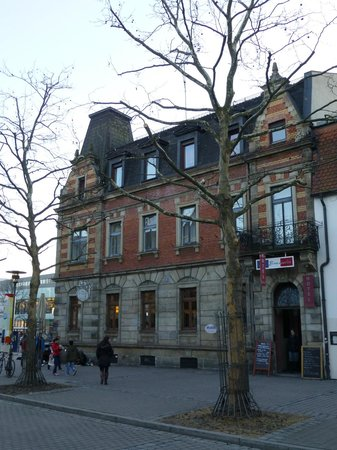 La Brasserie Cafe Bar
