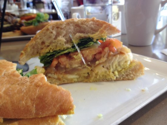 Harold's Bistro & Bar :                   Blackened Halibut Burger